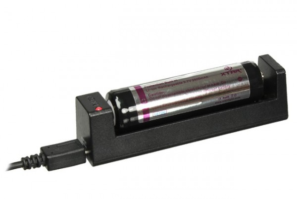 Starterset mit 18650 Akku und MC1 USB-Ladegerät